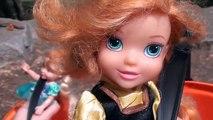 Et poupées des œufs gelé partie pâte à modeler les tout-petits jouets la télé Anna elsa halloween surprise 2 disney