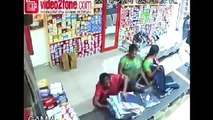 356.Viral Videos in India - Women Thief Caught on cctv footage - Beware of Such Women