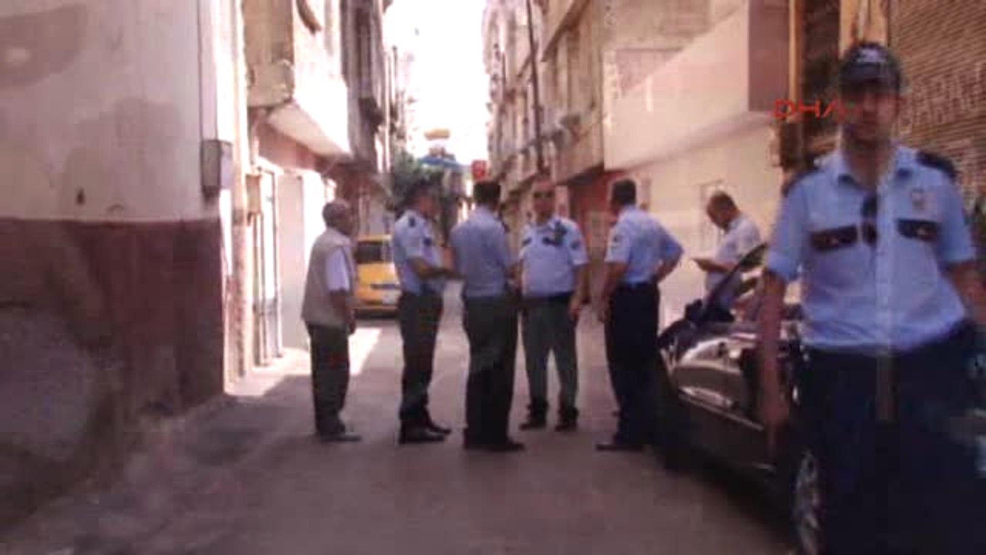 Gaziantep Taksi Göndermeyen Durağa Maytap Attı: 2 Yaralı