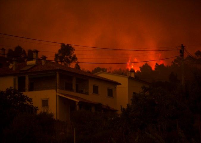 Le Portugal abasourdi après un gigantesque feu de forêt