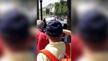 Une voiture percute une camionnette de la gendarmerie sur le rond-point des Champs-Élysées