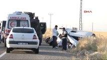 Diyarbakır'da Polis Aracıyla Minibüs Carpıştı: 2 Ölü, 9'u Polis 19 Yaralı