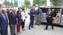 """Orman ve Su İşleri Bakanı Veysel Eroğlu: """"Yollar Yürümekle Aşınmaz, Kemal Bey Kendini Boşuna..."""
