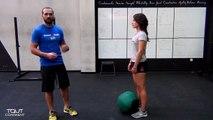 Cours de crossfit débutant  - entraînement medecine ball-cbOX44mqn_A