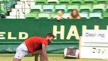 Le tennisman Benoit Paire devient fou en plein match et se prend 3 pénalités d'affilé... Quel mauvais joueur