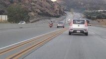 Un motard à la conduite agressive provoque plusieurs accidents - Insolite