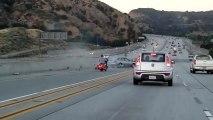 Un automobiliste coupe la route à un motard,il finit par provoquer une explosion et un accident entre deux voitures