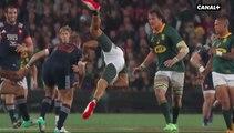 Jules Plisson percute en l'air le Springboks Skosan