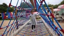 Château enfants pour amusement amusement énorme dans enfants de plein air parc Cour de récréation jouet Battersea zoo hd