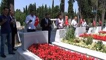 15 Temmuz Gazileri 15 Temmuz Şehitlerini Ziyaret Etti