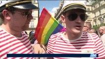 40e anniversaire de la Gay Pride: des milliers de personnes à la Marche des fiertés à Paris