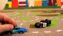 Makvin coche carretillas policía mientras VILS robo de dibujos animados sobre los coches