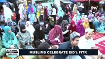 Muslims celebrate Eid'l Fitr