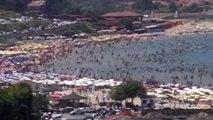 Şile Sahillerinde Insan Seli. Plajlar Doldu Taştı. Zabıtalar Girişleri Durdurdu