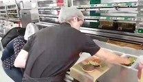 Burger king à Anvers: la préparation du whooper