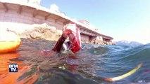 Cet homme ramasse les déchets en Méditerranée