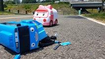 타요 조심해! 차가 타요 버스를 짓밟았다. Tayo be careful! Real Car crushed Tayo bus. Tayo Bus in Real Life