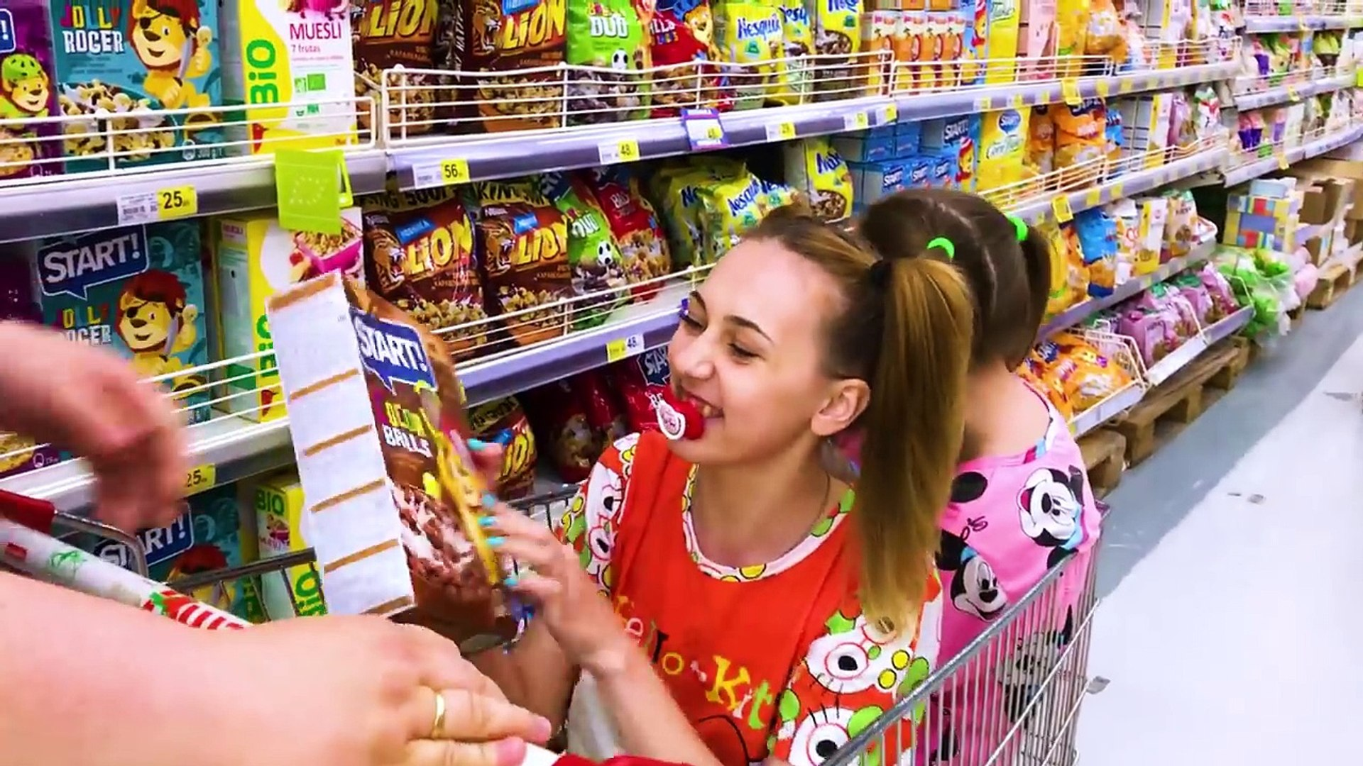bad baby real food fight victoria vs annabelle freak daddy toy freaks family video dailymotion bad baby real food fight victoria vs annabelle freak daddy toy freaks family