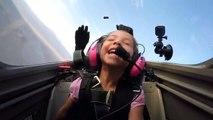 Ce papa pilote d'avion fait piloter l'avion à sa fille!