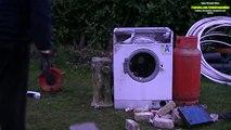 Un et un à un un à brique dans de de partie la lessive Machine destruction 2 3 machine