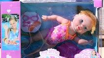Et bébé née peut peut poupée Jai le dans petit piscine nager la natation nage tortues sous-marin en