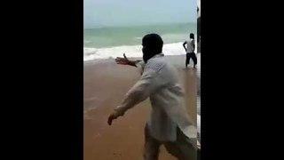 Save Life of Drowning Child At Seaview Karachi - Pakistan -VIRAL-