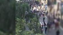 Une voiture percute une foule de skateurs