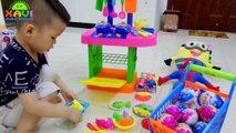 Bonbons défi Chocolat Pâques Oeuf des œufs chasse joie homme araignée jouets avec Kinder surprise pla
