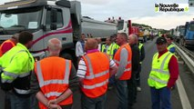 VIDEO. Blois : 24 camions pour tester la résistance du pont Charles de Gaulle