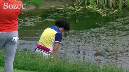 Li Haotong'un fedakar annesi oğlunun golf sopası için çamura daldı