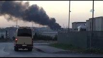 Esenyurt'ta Fabrika Deposu İnşaat Alanında Yangın