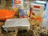Et carotte escroquerie avec ananas noix avec et ananas écrou carotte de gélatine gelée