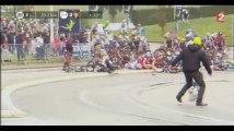Tour de France 2017 : Chris Froome et Romain Bardet font une grosse chute lors de la 2e étape (Vidéo)