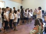 M2U02397 Scolaires de l'école Rabas Scy-Chazelles chant Vois sur ton chemin du film les choristes