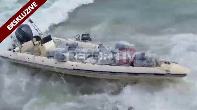Report TV - Trafikantët braktisin gomonen me 1 ton kanabis në ishullin e Sazanit