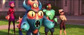 Les Nouveaux Héros (2014) : extrait du film, scène au cours de laquelle Baymax dévoile sa nouvelle armure