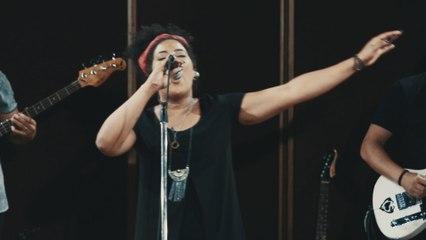 Sarah Oliveira - Sarah Live Session: Deus No Comando