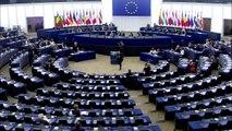 Juncker chama eurodeputados de 'rídículos'
