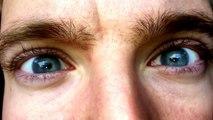Les pupilles et Iris de cet homme bougent tout seuls !!