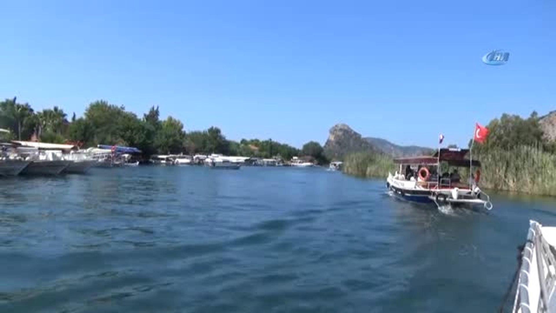 Tatilcilerin Yeni Gözdesi Mavi Yengeç Avlama Turları