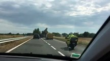 Charente-Maritime : une internaute filme le transport d'une pale d'éolienne