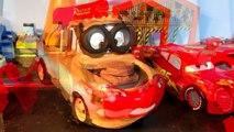 Comme des voitures jeter mourir le faucon foudre jouer course course Ensemble avec pixar 5 mcqueen mcqueen