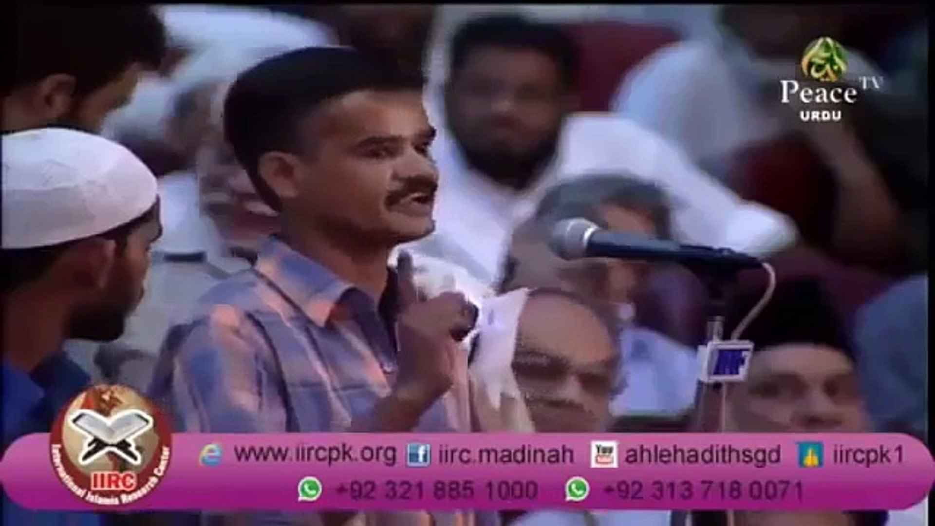 Angry Hindu Pandit Fighting With Dr Zakir Naik on Wives of Sri Krishna