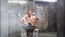 Il prend un bain chaud ou il se fait cuire lui ???