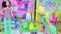 De bebé primero obtener Dr. bebé médico gemelo bebés son nacido médico muñeca