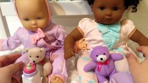 Américain et bébé Noël poupée fille matin jumeaux Bitty bitty
