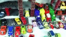 Des voitures foudre Courses Ensemble course et collection de voitures de course quoique VILS piste disney 2 mcqu