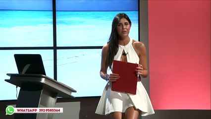 Italian TV journalist shows you more than she wanted to... Hot