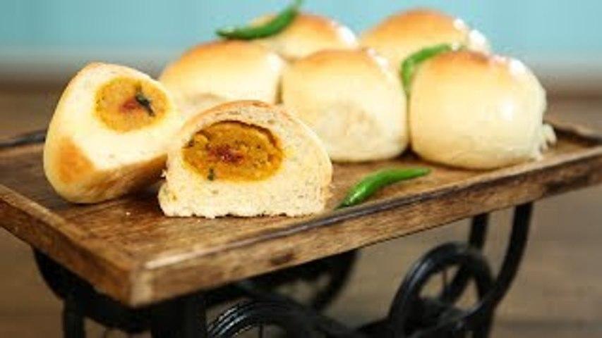 Baked Vada Pav Recipe | How To Make Baked Vada Pav | Indian Street Food | Eggless Ladi Pav | Upasana