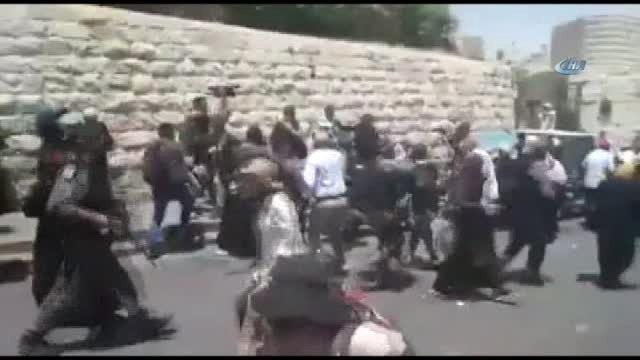İsrail Güçleri Göz Yaşartıcı Gaz ve Plastik Mermi Kullandı
